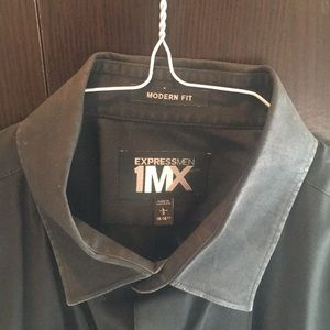 Express 1MX black shirt